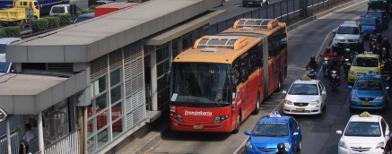 Bus TransJakarta (Foto: Antara/Reno Esnir)