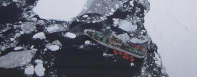 Kapal terdampar (Foto: AP/Mariti Menz)