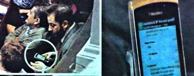En las páginas de Clarin se muestra el momento en que Ottavis está escribiendo el mensaje, como así también un zoom de la pantalla de su celular./ Foto: Clarín vía La Nación