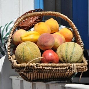 Can you save money by shopping at the farmer's market?