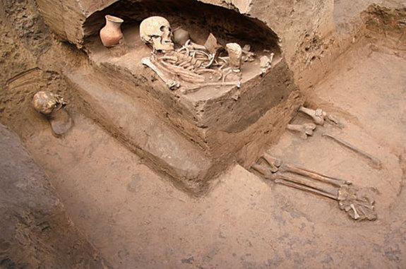 Sacrificed Humans Discovered Among Prehistoric Tombs