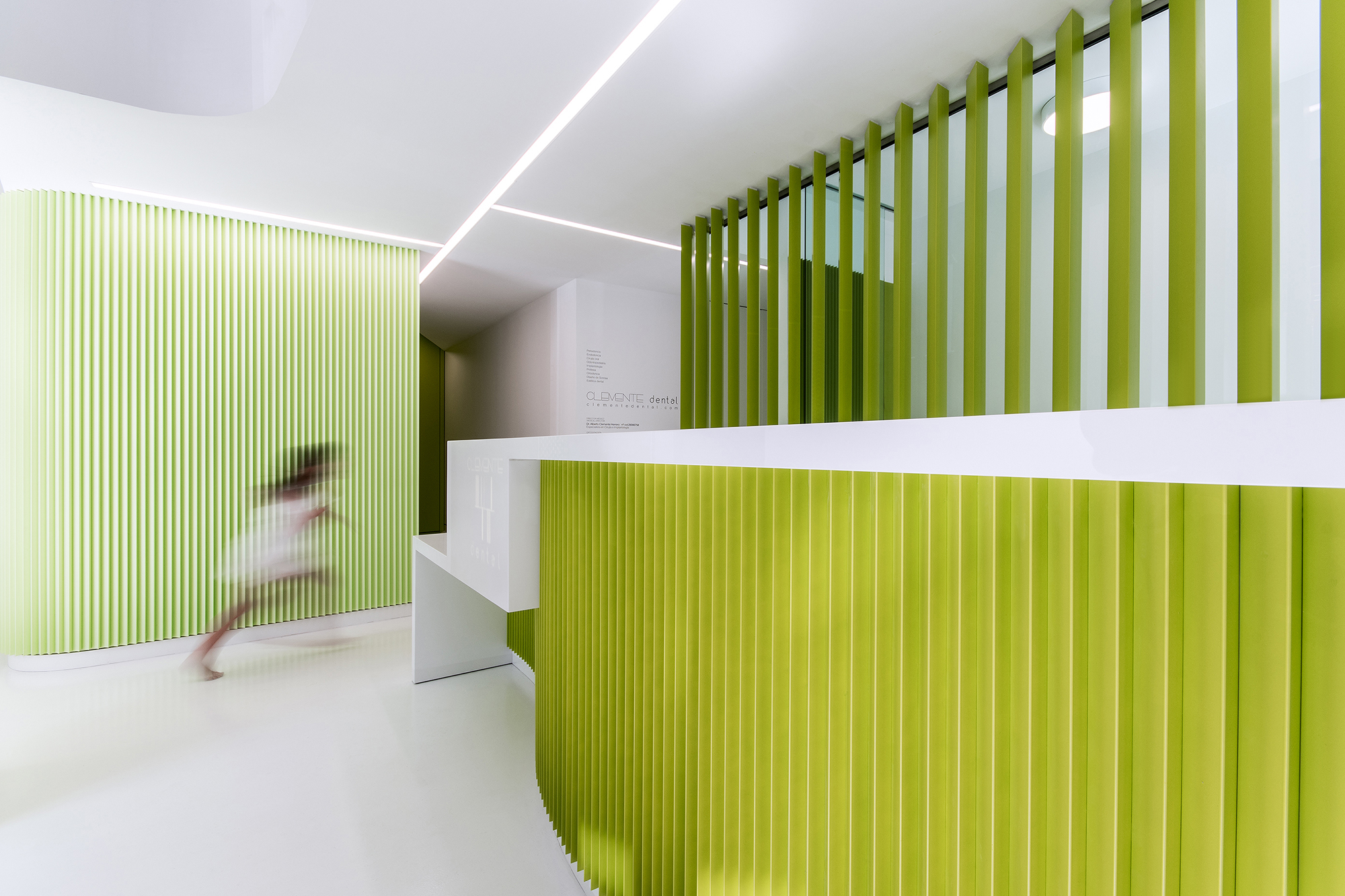 CLINICA CLEMENTE dental - LANDÍNEZ+REY arquitectos - arquitectura retail - interiorismo recepción