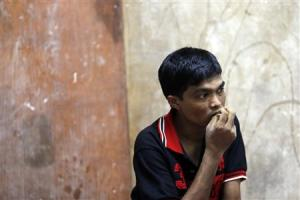 Bozor Mohammed from the Rakhine state in Myanmar listens …