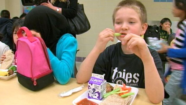 Elementary School Cafeteria Goes Vegetarian (ABC News)