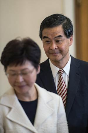 Hong Kong's Chief Executive Leung Chun-ying (R) …