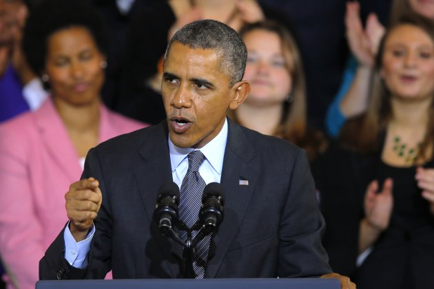U.S. President Barack Obama speaks about the Affordable Care Act, also known as Obamacare, at Faneuil Hall in Boston, Massachusetts October 30, 2013. In 2006 in Faneuil Hall, then Massachusetts Governor Mitt Romney signed a law mandating health insurance for most of the state's residents. REUTERS/Brian Snyder (UNITED STATES - Tags: POLITICS HEALTH)