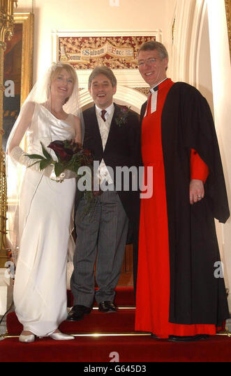 https://i2.wp.com/l7.alamy.com/zooms/0fbad43f88c54330b01282dd915bd584/john-bercow-wedding-g645d3.jpg
