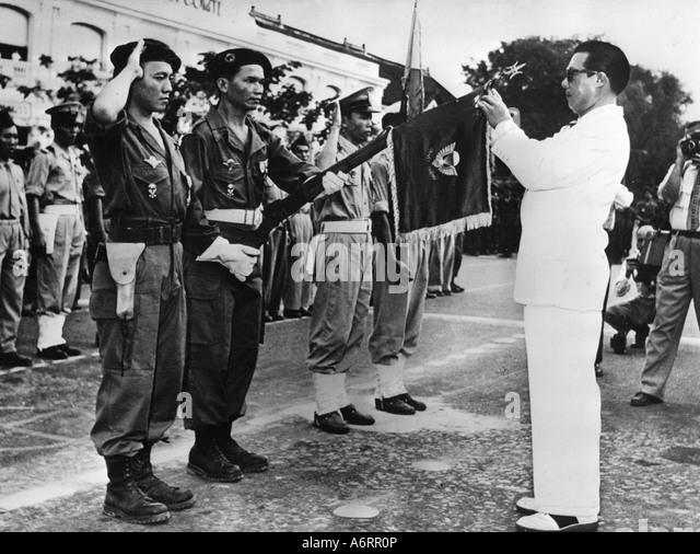 https://i2.wp.com/l7.alamy.com/zooms/252661120d1d4ee19645dd63594fc28e/bao-dai-22101913-3171997-emperor-of-vietnam-1926-1945-head-of-state-a6rr0p.jpg