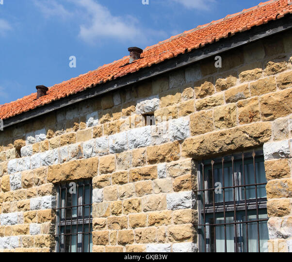 What Color Paint Goes With Red Tile Roof Roof Paint Colour