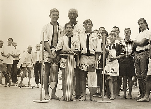 Duke Kahanamoku and the skate team - 1960s