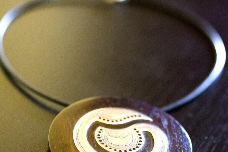 collier touareg,pendentif argent, pendentif ebene, collier argent, collier africain, mode africaine, artisanat senegalais, collier ethnique, bijou touareg