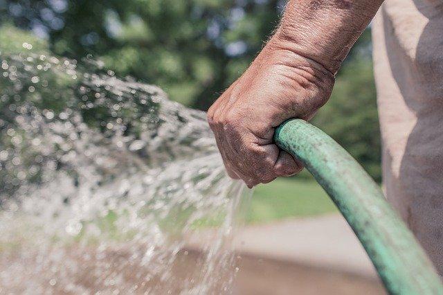 Tuyau arrosage eau de pluie