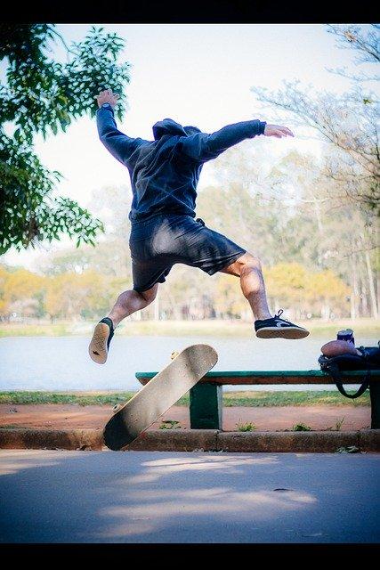 Trick skateboarding VitorGarcia029 / Pixabay