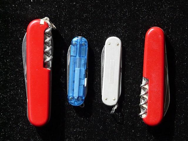 Gamme couteaux suisse - Hans / Pixabay