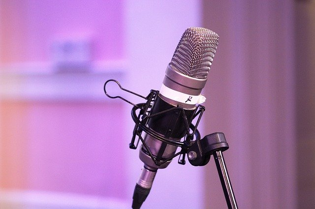Podcast Mic Equipment Microphone - Positive_Images / Pixabay