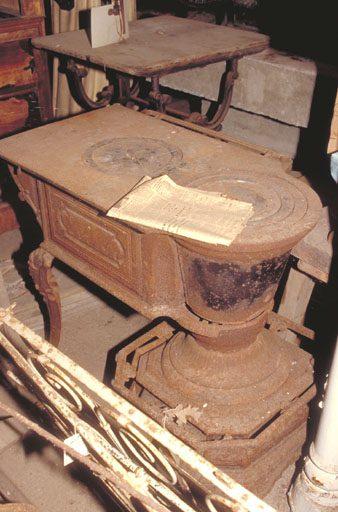 Grand poêle à bois