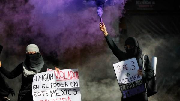 feministas protesta, feminismo, violencia contra las mujeres, mujeres