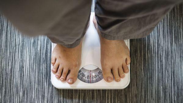 salud-perder-peso-obesidad-saludable-bascula