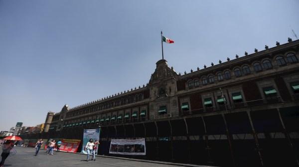 Palacio Nacional con vallas