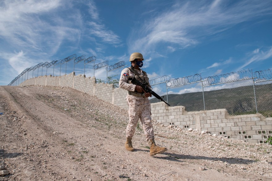haití republica dominicana frontera verja