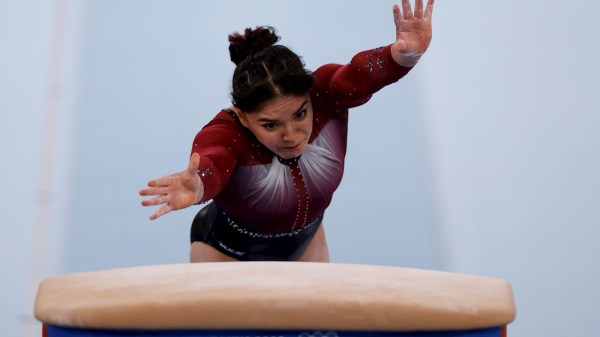 Foto de alexa moreno en la prueba de salto de cabbala a donde se coló a la final