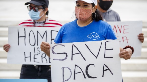 Protestan a favor del DACA