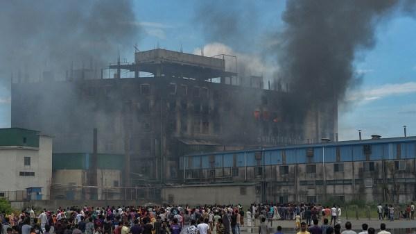 incendio en fábrica e Bangladesh