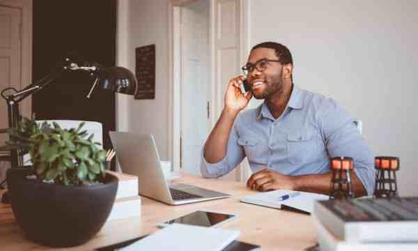 ¿Escuchar las llamadas de trabajo de tu cónyuge te pone nervioso? A mí también