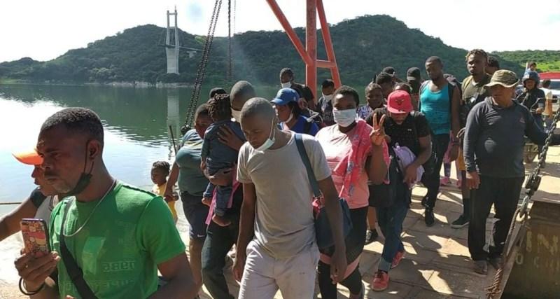Foto de migrantes en su nueva ruta