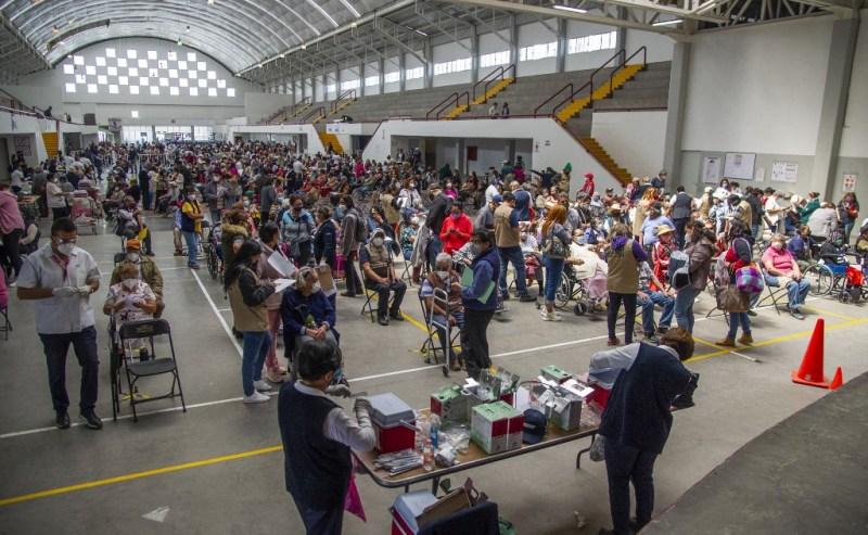 Ecatepec vacuna a rezagados mayores de 30 con la primera dosis