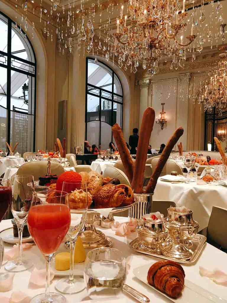 Décadent Paris: un brunch au Plaza Athénée Europe France Le Voyage