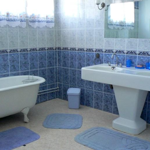 Seconde salle de bain du premier étage