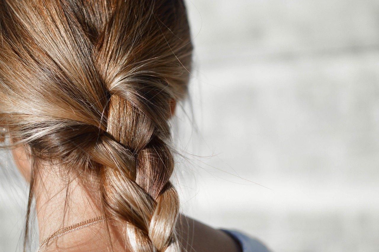 Coloration naturelle des cheveux et plantes tinctoriales (henné)