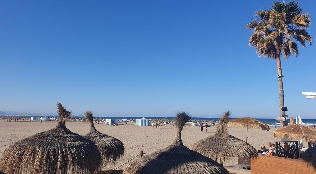 Une_plage_au_soleil