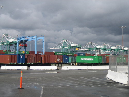 The Port of Los Angeles.  Photo:##http://www.flickr.com/photos/ethanz/3267480659/in/photostream/##Ehtanz##