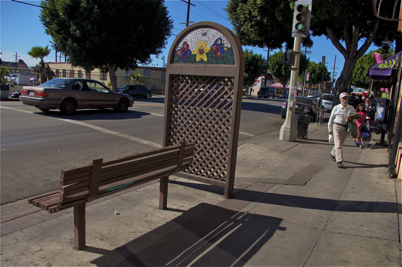 Another view of the bench and the space it takes up on the sidewalk. Sahra Sulaiman/LA Streetsblog