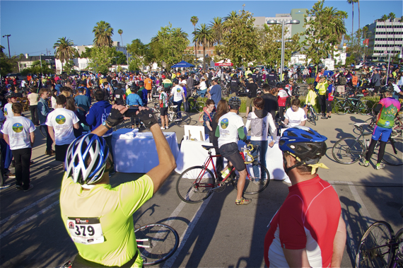 Riders gather for the start of Damian Kevitt's Finish the Ride event. Sahra Sulaiman/LA Streetsblog