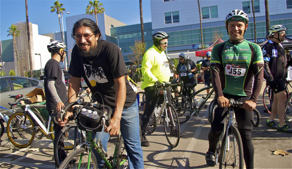 Amoxeh Chicome Tochtli and hit-and-run victim Ulises Melgar ride in honor of Andy Garcia and all hit-and-run victims. Sahra Sulaiman/LA Streetsblog.org