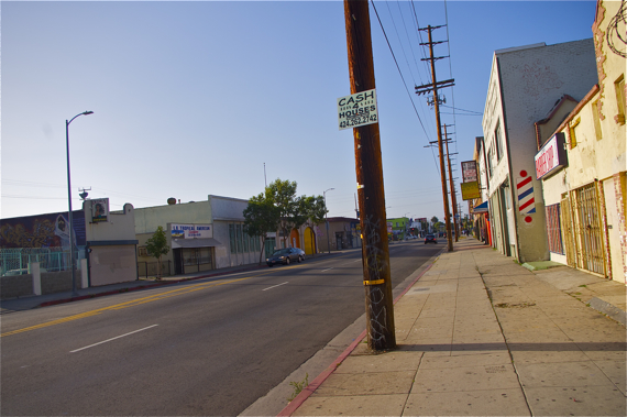 A number of stretches of Western are almost completely treeless. Coupled with the fact that so many of the buildings are used as churches (and only open intermittently), the street can feel barren. Sahra Sulaiman/LA Streetsblog