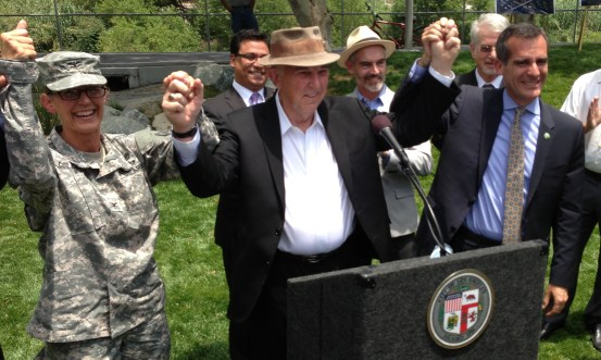 Celebrating increased federal commitment to L.A. River revitalization: (l to r) USACE Colonel Kim Colloton, FoLAR founder Lewis MacAdams and L.A. Mayor Eric Garcetti. Photo: Joe Linton/Streetsblog L.A.