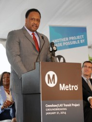 Mayor Butts at the groundbreaking for the Crenshaw Line. Image: Metro