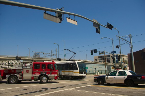 The train came to a halt at 18th St. Sahra Sulaiman/Streetsblog L.A.
