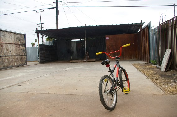 The space out back can serve as a storage area, safe gathering space for youth, and site for social get-togethers/movie nights. Sahra Sulaiman/Streetsblog L.A.