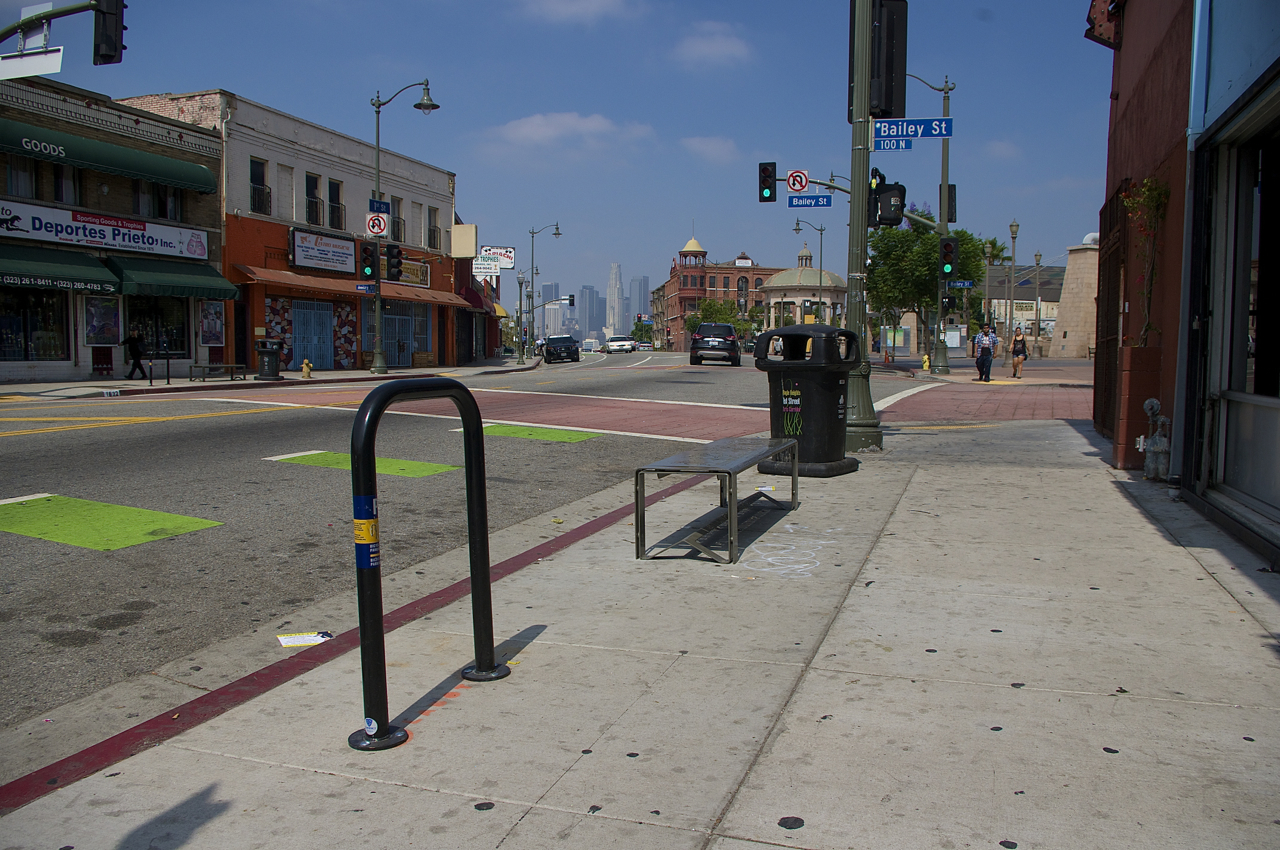 One of Espacio 1839's new racks. The LADOT placement marks are still visible on the pavement. Sahra Sulaiman/Streetsblog L.A.