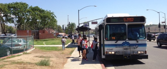 Students boarding Foothill Transit Line xxx at Mount San Antonio College. Photo by Joe Linton/Streetsblog L.A.