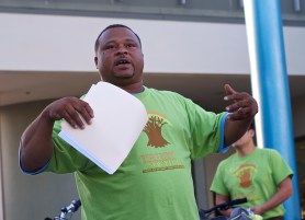 John London talks about the importance of a bike lane to the safety of the community. Sahra Sulaiman/Streetsblog L.A.