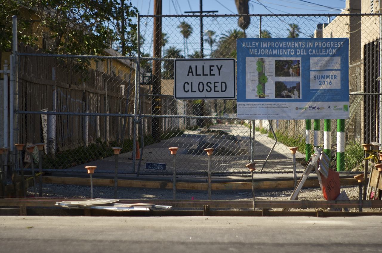 Coming soon! A green alley in South L.A. near 52nd and Avalon. Sahra Sulaiman/Streetsblog L.A.