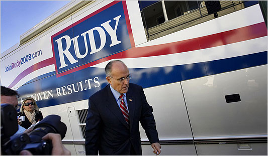 giuliani_bus.jpg