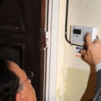 Sistema prepago de luz inicia barrio El Manguito