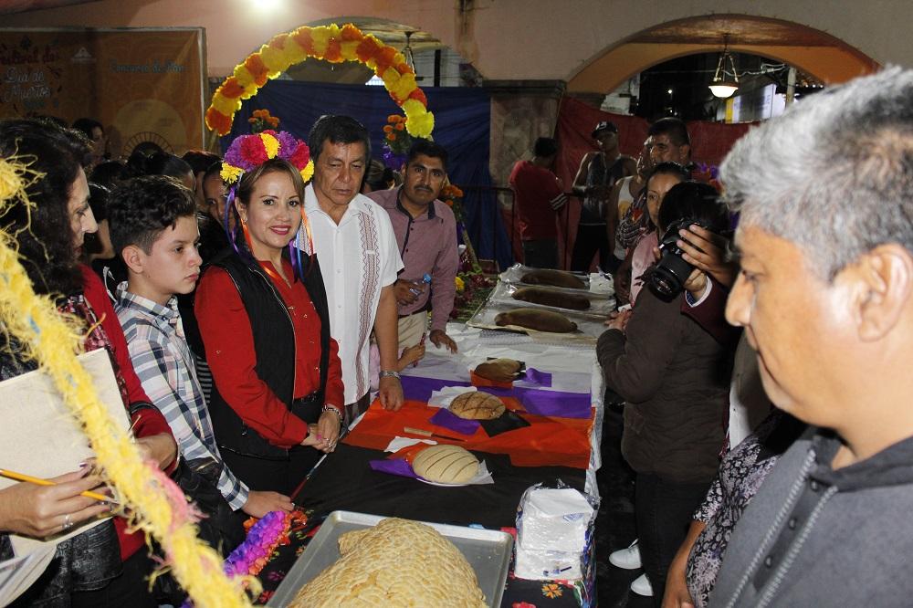 Con motivo de las festividades de Día de Muertos, en Tejupilco realizaron el tradicional concurso de ofrendas y otras actividades alusivas a estas fechas.